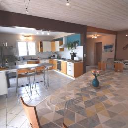 Salle d eau 2 avec wc  - Location de vacances - Montignac-de-Lauzun