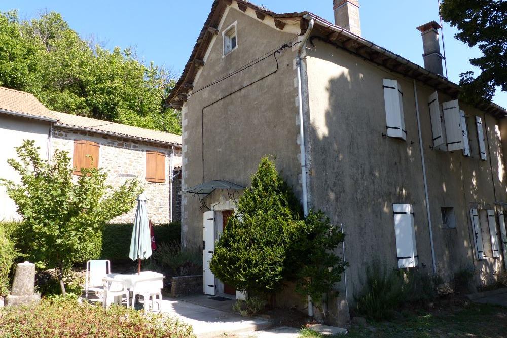 Vue d'ensemble des Bastides hautes. - Location de vacances - Saint-André-Capcèze
