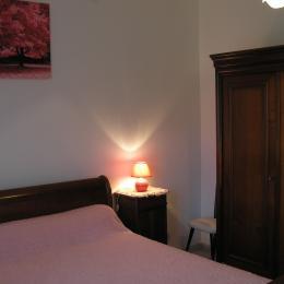 Chambre 1 - Location de vacances - Saint-Martin-de-Boubaux