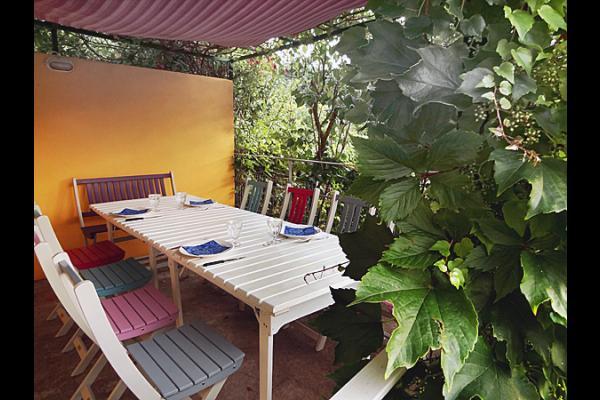 terrasse ombragée - Location de vacances - Ispagnac