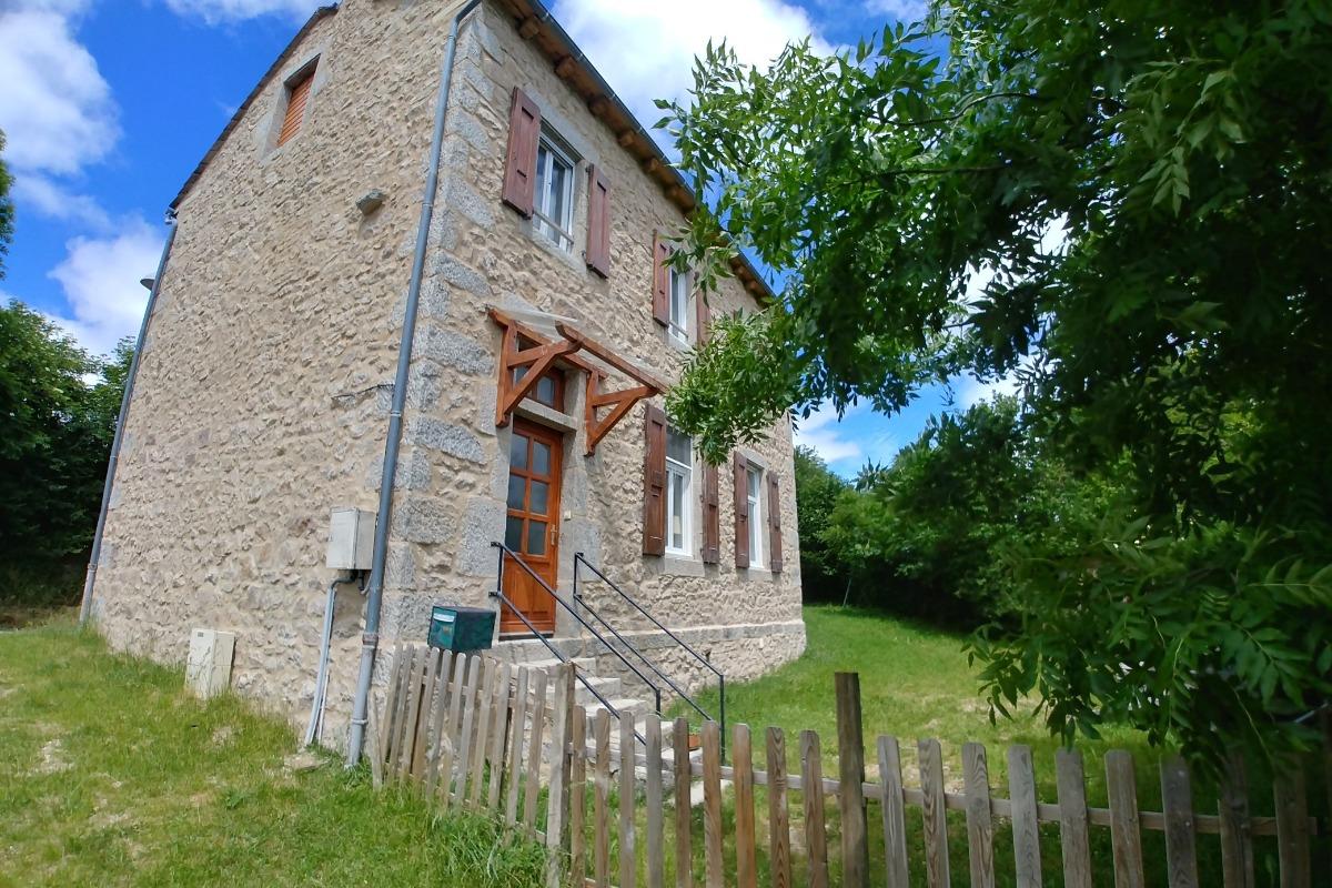 Séjour vue opposée - Location de vacances - Saint-Léger-de-Peyre