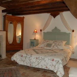 la chambre du 1er étage - Location de vacances - Marcé