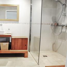 La salle d'eau de la chambre Banc de sable - Chambre d'hôtes - Chênehutte-Trèves-Cunault