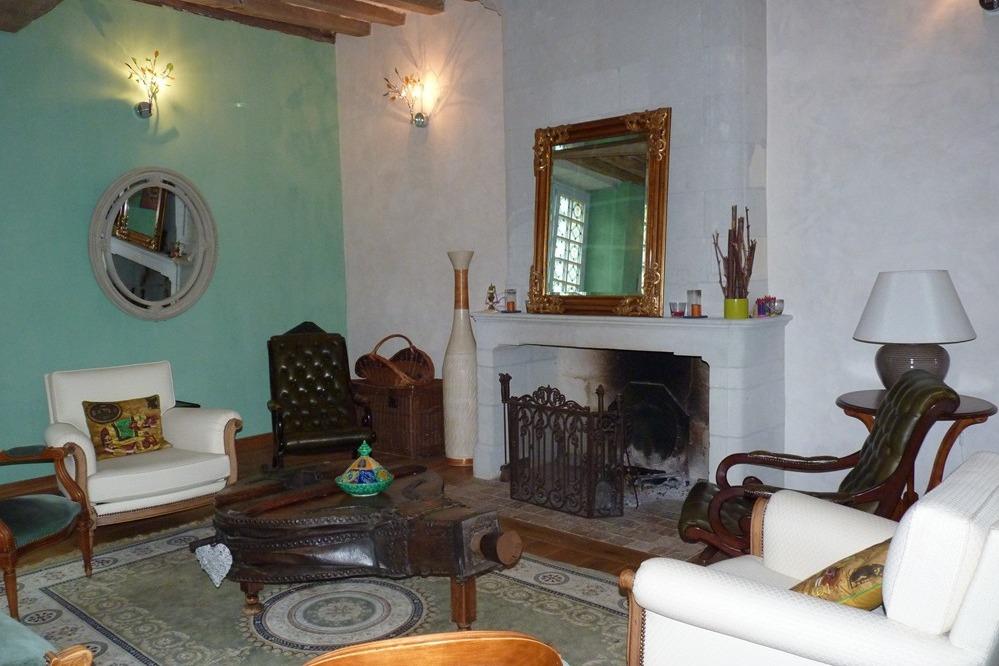 Ch teau de la roche tinard chambre safran chambres d for Chambre d hote chateau de la loire