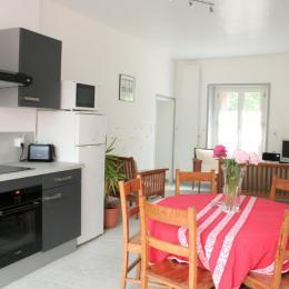 cuisine / salon - Location de vacances - Montreuil-Bellay