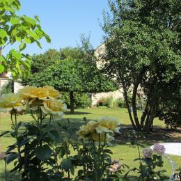 jardin des propriétaires avec jeux pour enfants - Location de vacances - Montreuil-Bellay