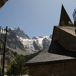 Bel appartement rénové, orienté plein sud, face aux glaciers de La Meije à La Grave (Alpes du Sud) - Location de vacances - La Grave