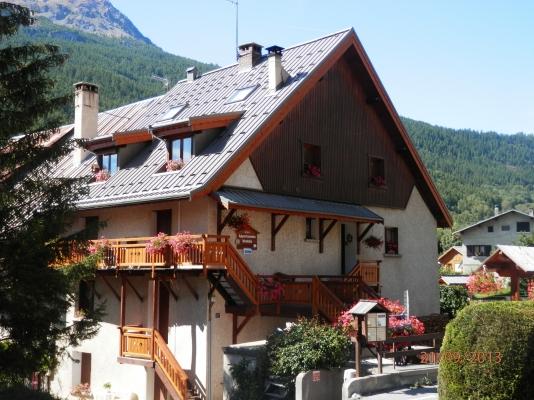 Chalet Extérieur Hiver - Situé entre Briançon et Serre Chevalier 1350 appartement dans une maison de pays - Location de vacances - Briançon