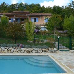 La maison vue de la piscine - Location de vacances - Lardier-et-Valença