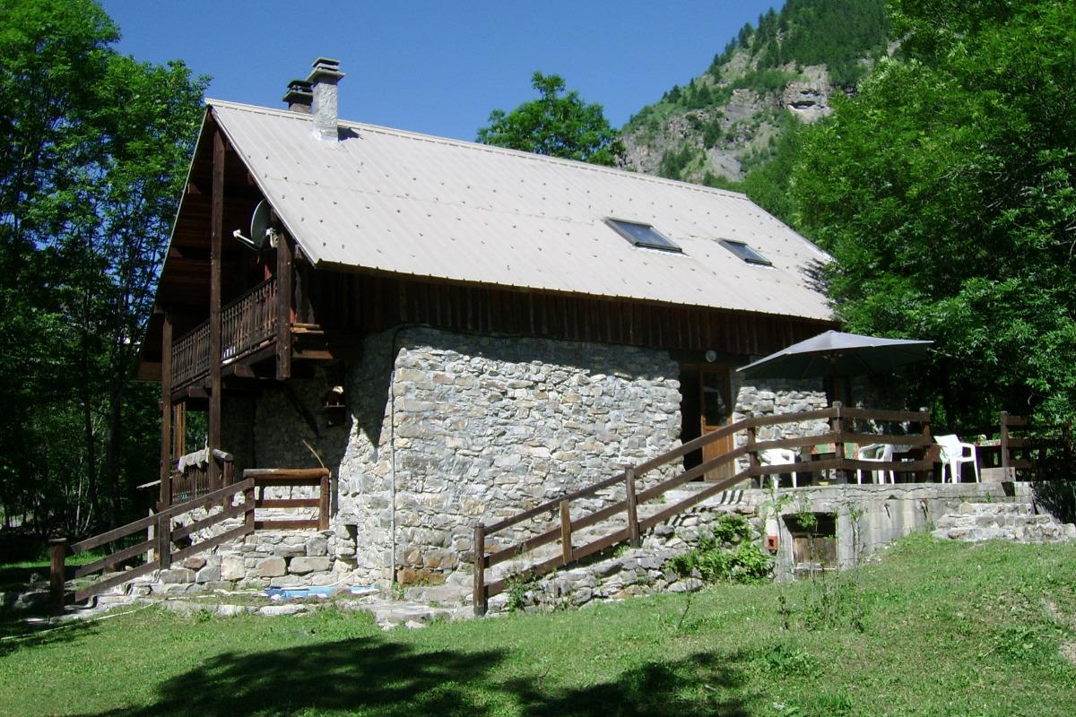 chalet coté terrasse l'été - Location de vacances - Freissinières