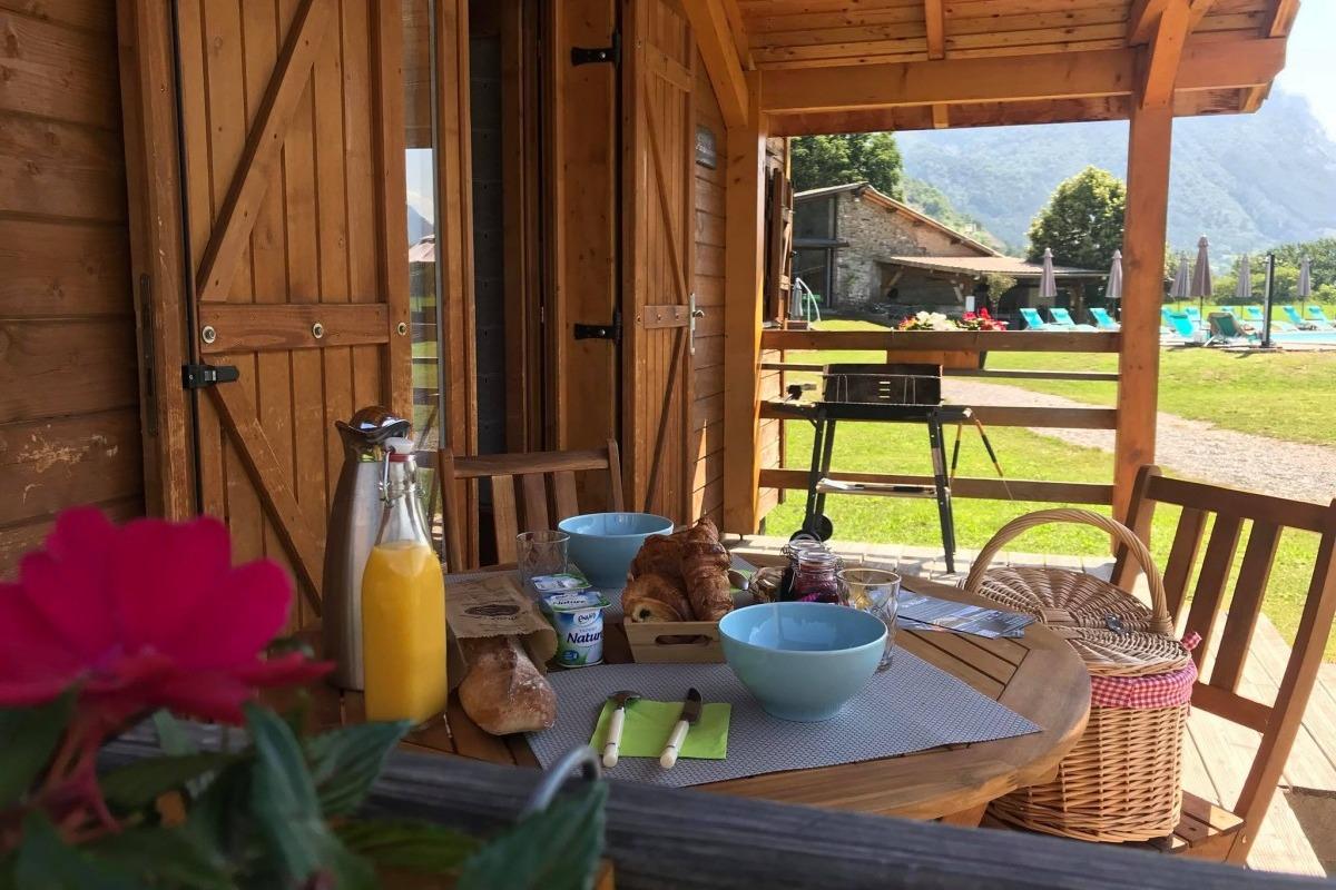 Domaine de Malcor terrasse privée du chalet - Location de vacances - Jarjayes