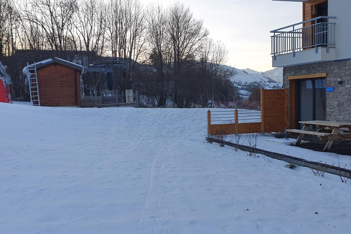 Résidence les Vallons : Appartement rdc dans Résidence haut de gamme, 43 m2 4/6 personnes, 2 chambres, terrasse 30 m2, vue piste de ski à Ancelle - Location de vacances - Ancelle