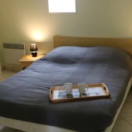 chambre lit double - Location de vacances - Lessay