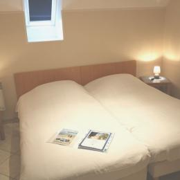 chambre 2 lits simples jumelables - Location de vacances - Lessay