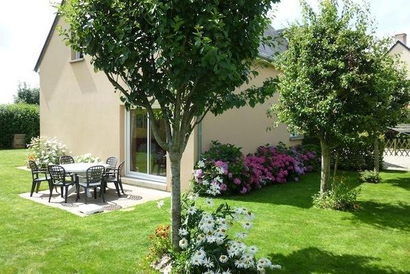 Jardin au sud - Location de vacances - La Feuillie