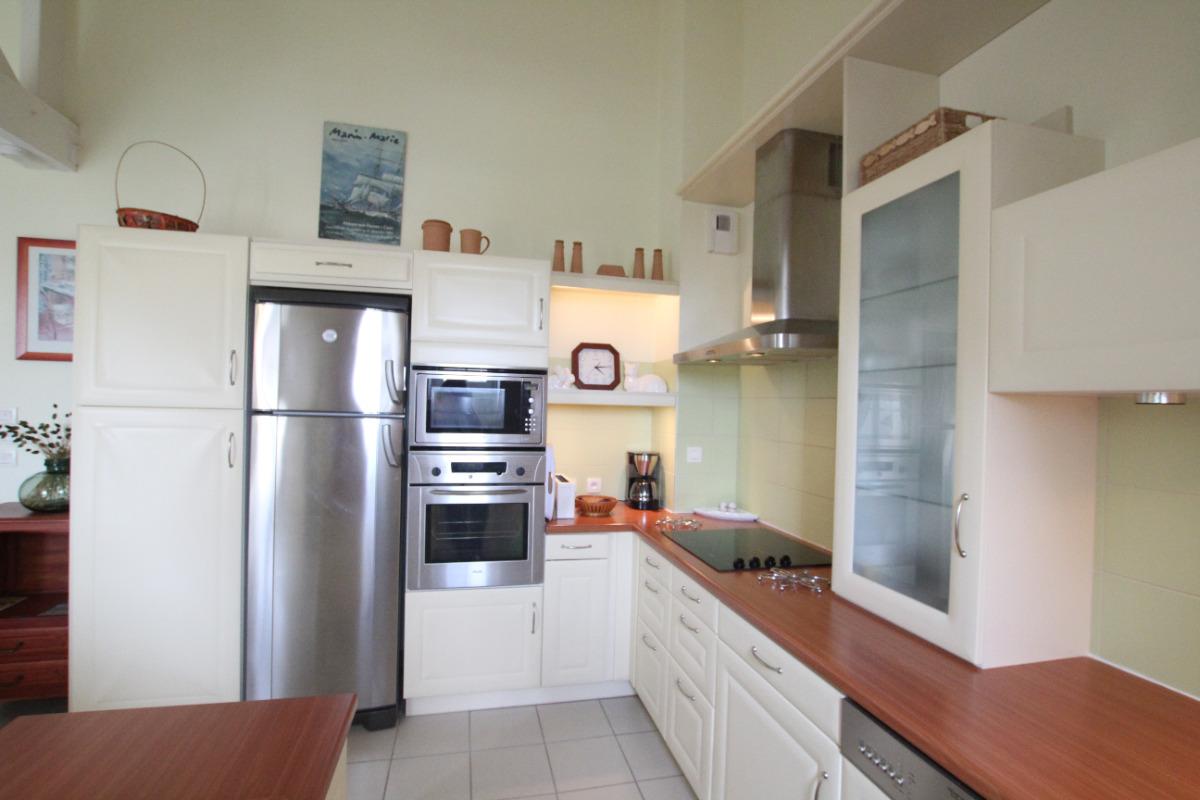 vue salle à manger et cuisine  - Location de vacances - Barneville-Carteret