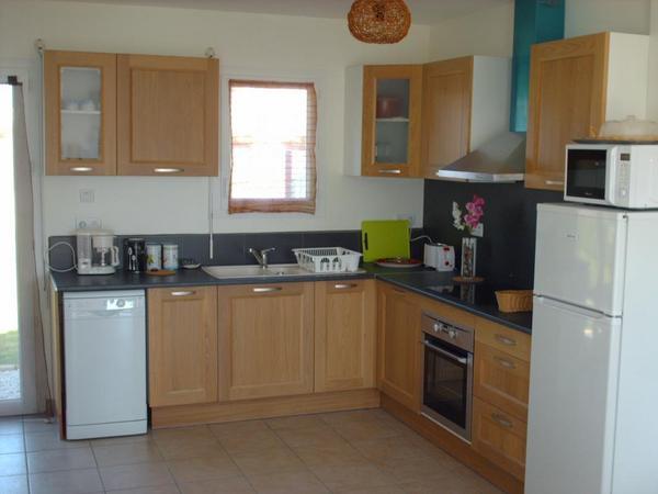 cuisine ouverte - Location de vacances - Saint-Jean-de-la-Rivière