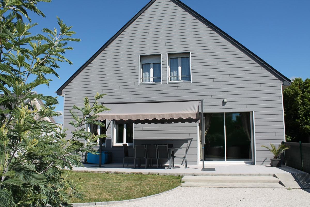 Chambre brique à l'étage - Location de vacances - Blainville-sur-Mer