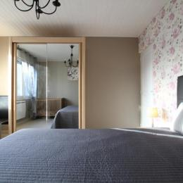 La chambre du rez de chaussée - Location de vacances - Blainville-sur-Mer