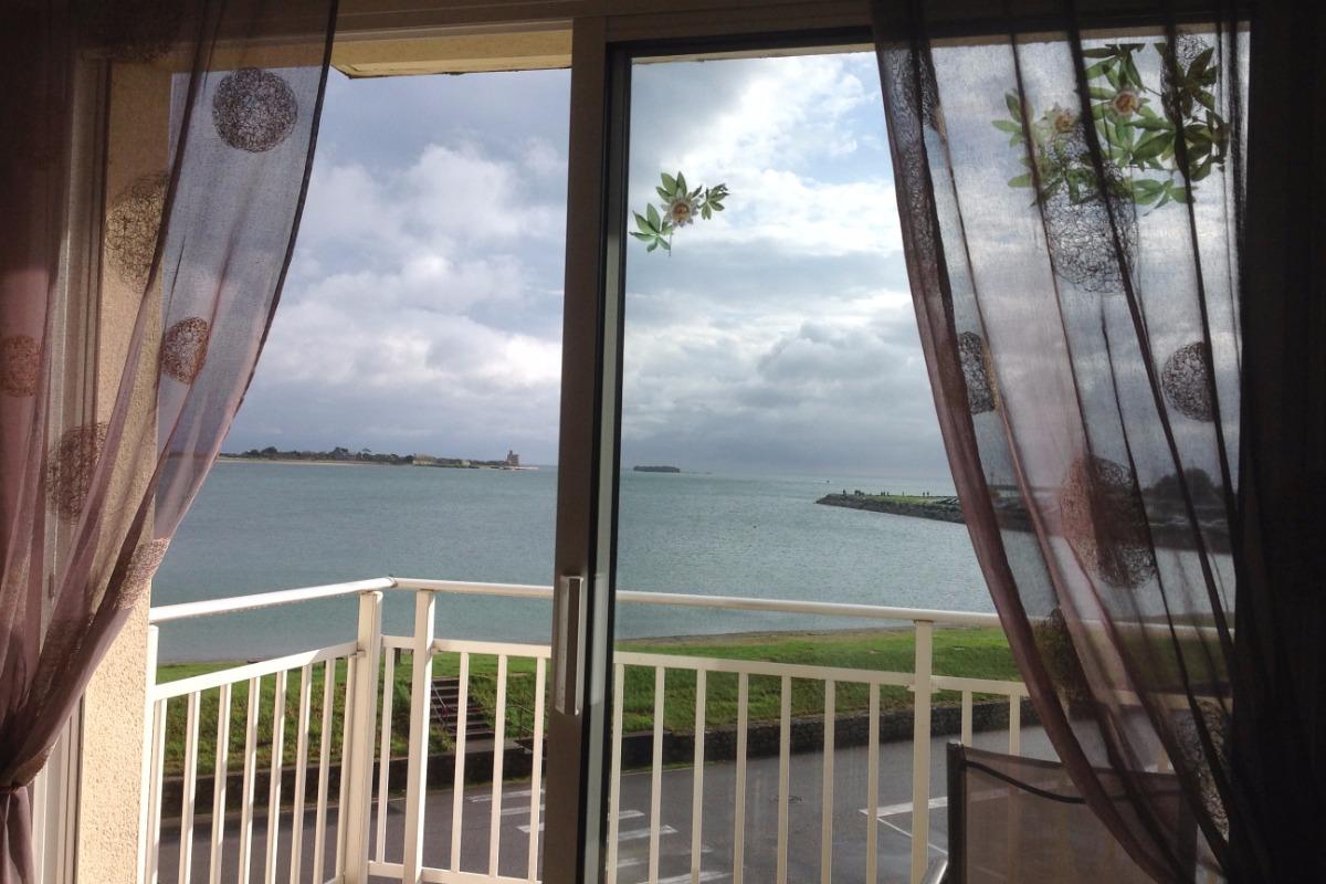 vue mer et Ile Tatihou à partir de la salle à manger - Location de vacances - Saint-Vaast-la-Hougue