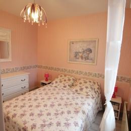 2ème chambre (lit 140X190) - Location de vacances - Saint-Vaast-la-Hougue