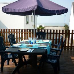 Terrasse vue sur mer - Location de vacances - Hauteville-sur-Mer