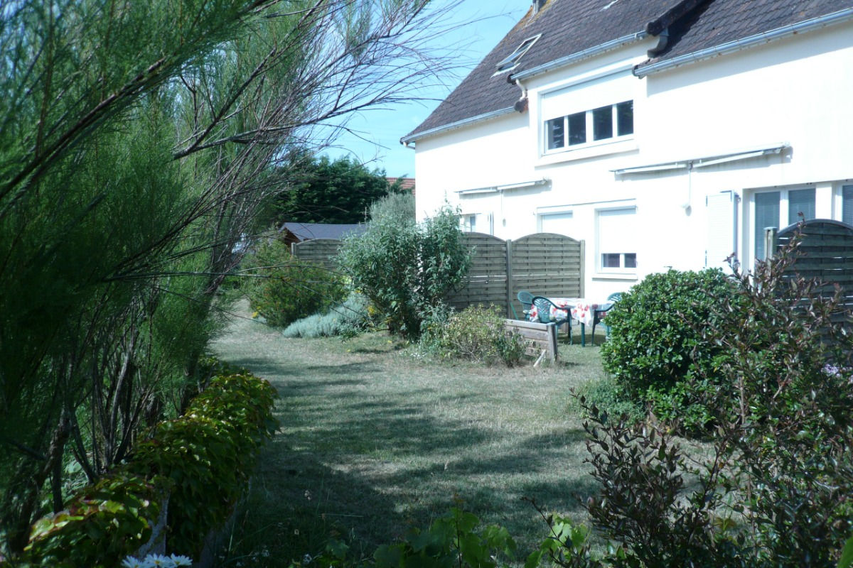 TERRAIN CLOS ET VERDOYANT - Location de vacances - Denneville
