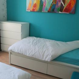 La chambre bleue : 2 lits 1 personne (90 X 200) - Location de vacances - Agon-Coutainville