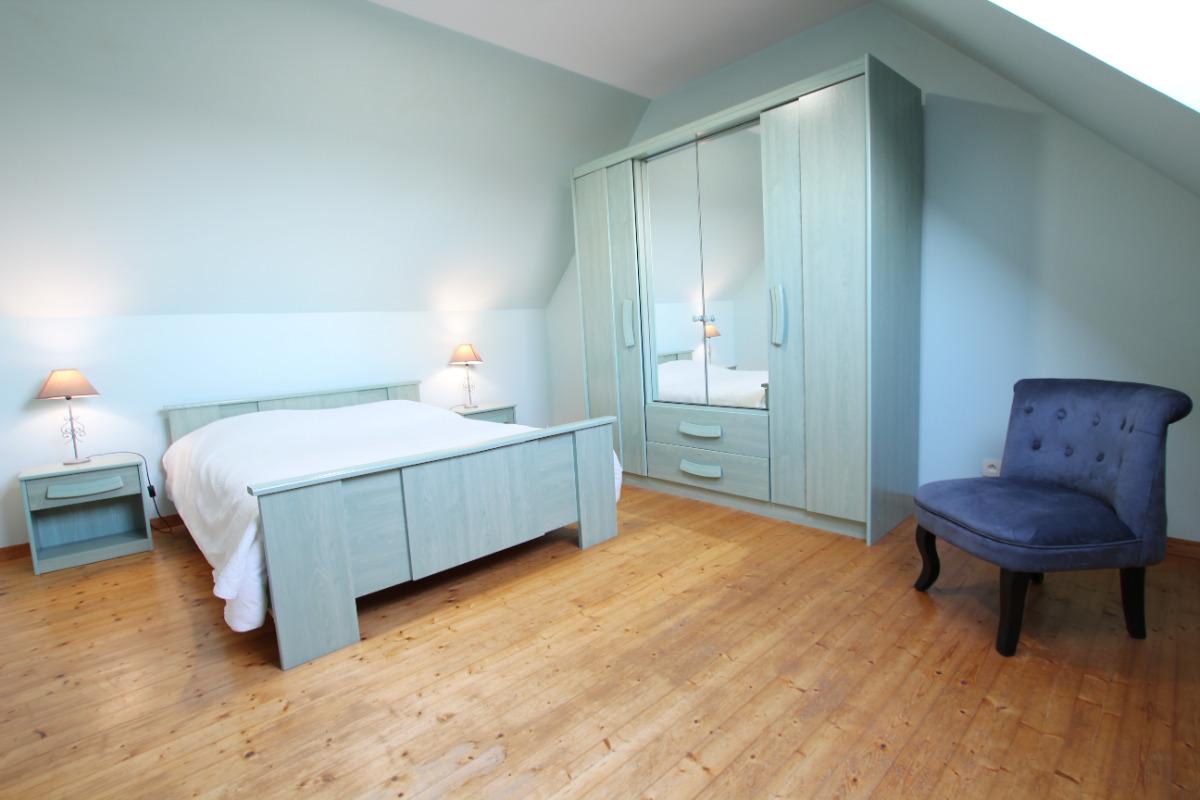 chambre à l'étage - Location de vacances - Surtainville