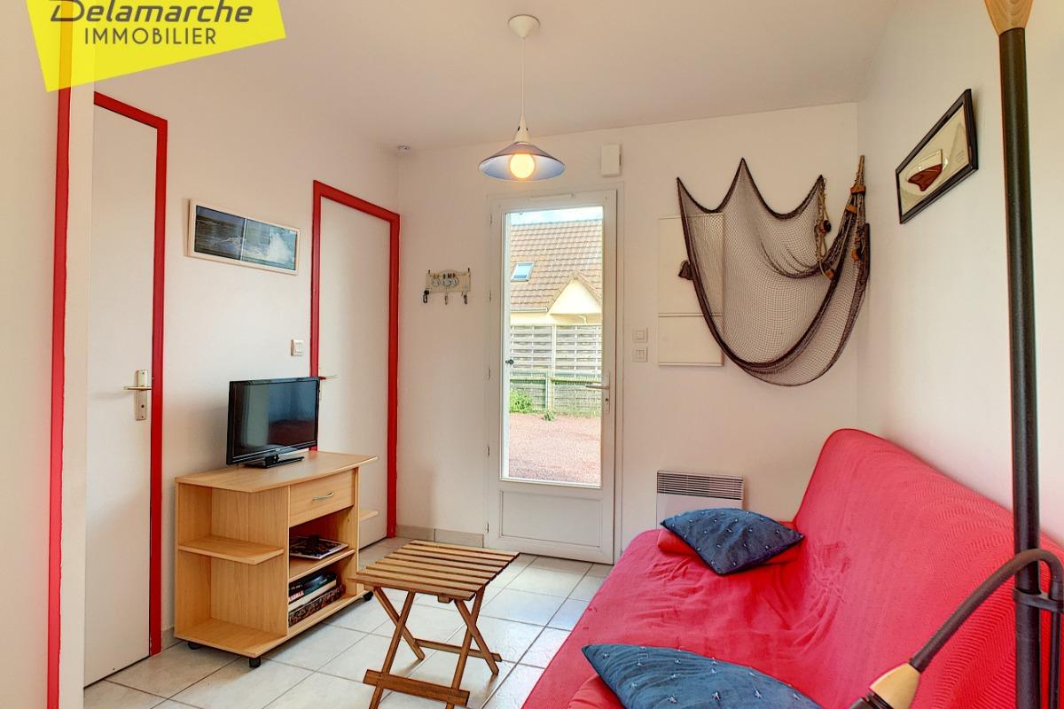 petite maison d 39 t 750m de la plage location vacances brehal st martin cl vacances. Black Bedroom Furniture Sets. Home Design Ideas