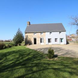 Gîte de La Gaumerais - La maison de face - Location de vacances - Romagny Fontenay