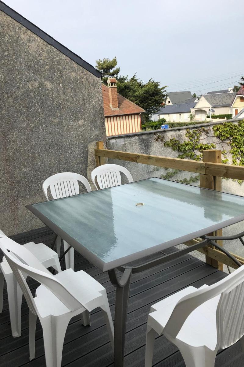 terrasse vue jardin - Location de vacances - Brehal St Martin