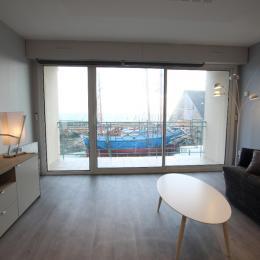 La Jetée - Le salon avec balcon vue mer - Location de vacances - Saint-Vaast-la-Hougue