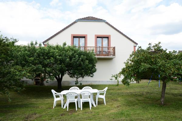 Grand Jardin à disposition - Location de vacances - Villers-sous-Châtillon