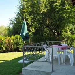 Terrasse vue sur jardin - Location de vacances - Châtillon-sur-Broué