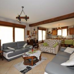 Espace salon spacieux - Location de vacances - Dormans