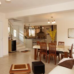 Salon - Salle à manger - Cuisine ouverte - Location de vacances - Belval-sous-Châtillon