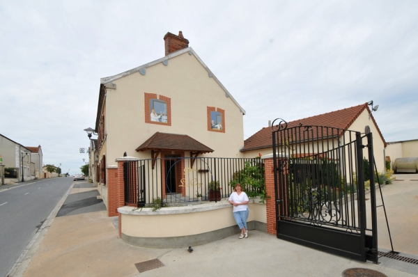 Extérieur du gîte : petite cour et rue de BOUZY - Location de vacances - Bouzy