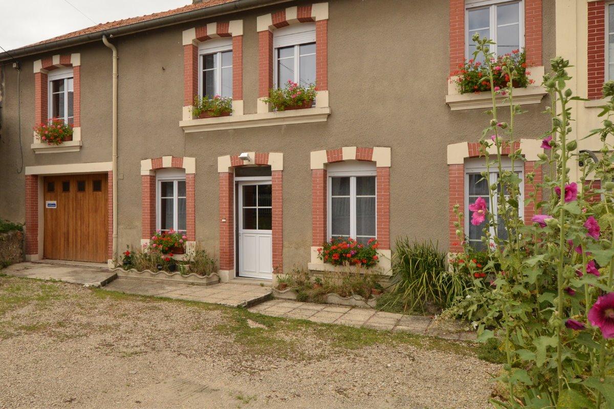 Grande maison à la campagne près de REIMS - Location de vacances - Chaumuzy