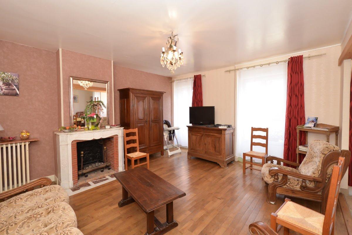 Grand salon confortable et lumineux - Location de vacances - Chaumuzy