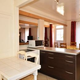 Grande cuisine ouverte sur salle à manger - Location de vacances - Chaumuzy