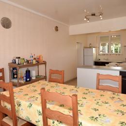 Cuisine et espace repas - Location de vacances - Chaumuzy
