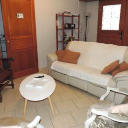 Salon espace climatisé - Location de vacances - Condé-sur-Marne
