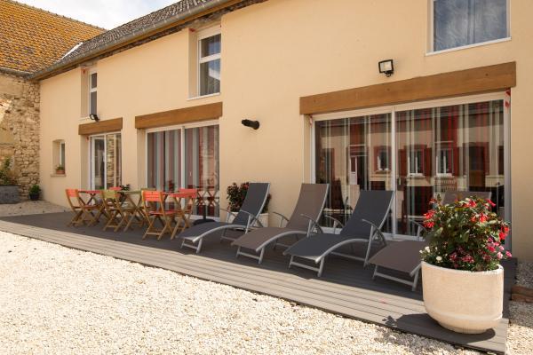 Terrasse privative pour les hôtes  - Chambre d'hôtes - Étréchy