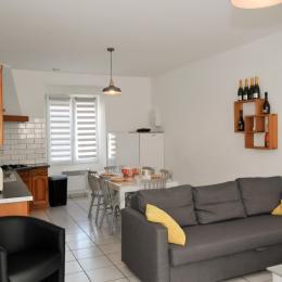 Espace salon ouvert sur cuisine - Location de vacances - Vandeuil