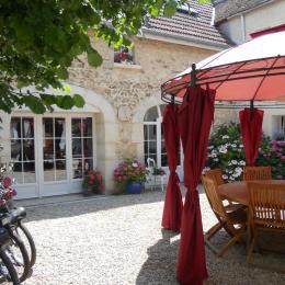 Côté cour - Chambre d'hôtes - Mareuil-le-Port
