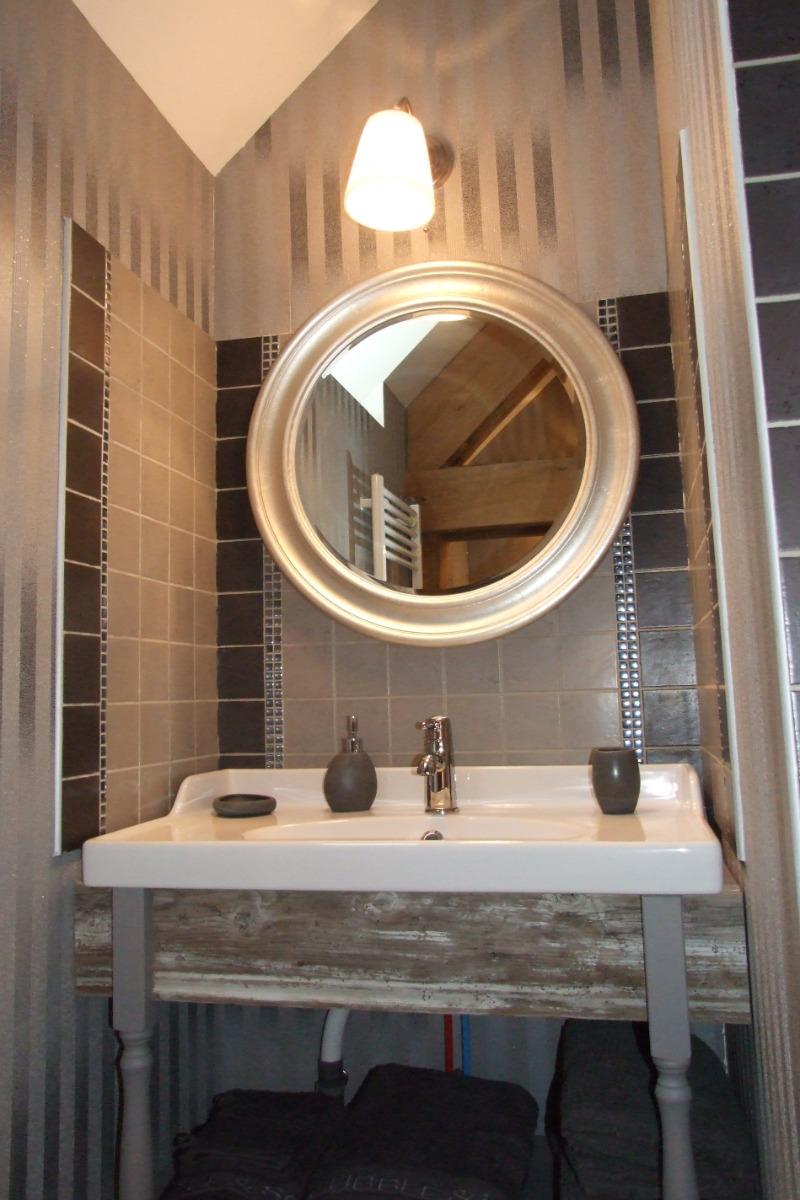 Salle d'eau Améthyste - Chambre d'hôtes - Mareuil-le-Port