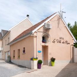 Salon  : pièce ouvert sur la cuisine - Location de vacances - Cormoyeux