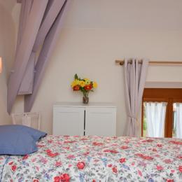 Chambre lits double 2X80X200 cm - Location de vacances - Germaine