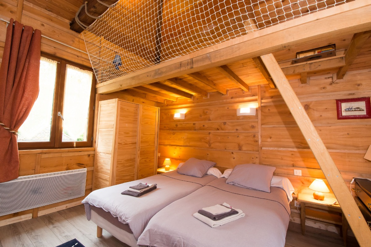 Chambre les Oies sauvages - 2 lits jumeaux + 1 lit en mezzanine  - Chambre d'hôtes - Outines